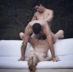 Threesome-bisexual-MMF-everyone-fucking